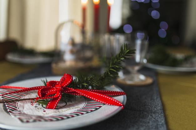 Mesa Navidad Andrea Miranda Freepik